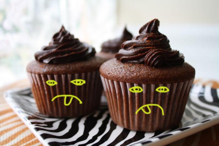 frownie-cupcake